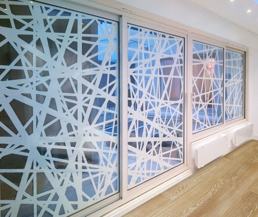 Parement mural d coration et luminaires - Claustra decoratieve interieur ...