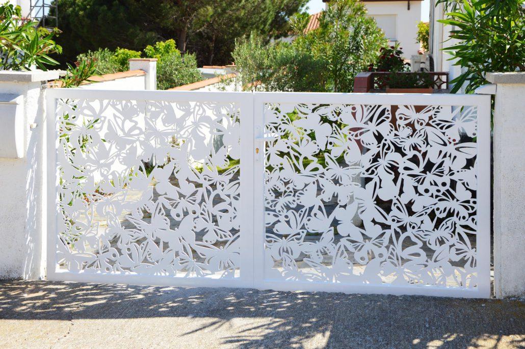 high quality design portals fences and screen walls. Black Bedroom Furniture Sets. Home Design Ideas